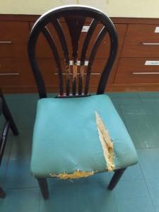 สภาพเก้าอี้ที่ต้องส่งซ่อม