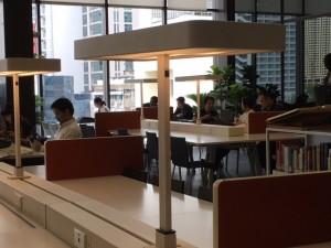 ที่กั้นโต๊ะแบบเลื่อนขยายพื้นที่ได้