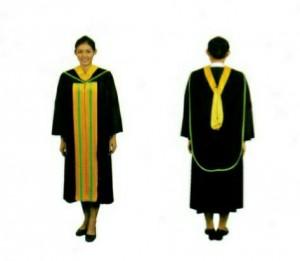 ภาพตัวอย่างการแต่งกายชุดครุยบัณฑิตหญิง